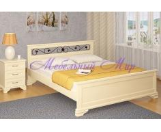 Кровать из массива дерева Лира с ковкой